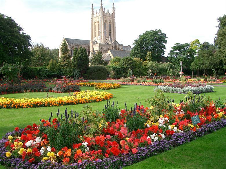 Bury St Edmunds Festival exceeds targets