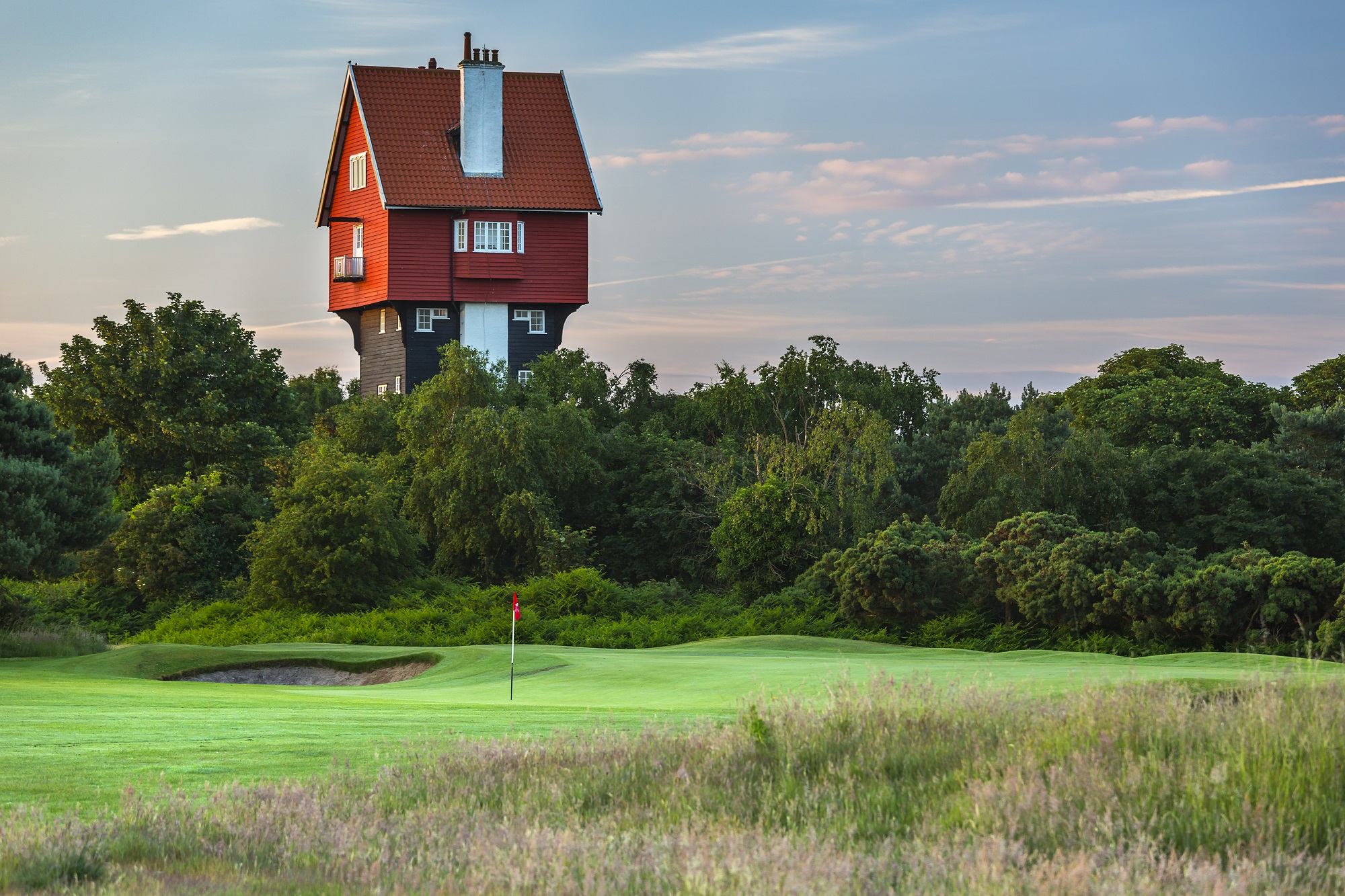 Thorpeness teams up with the Jazzy Golfer and Peter Finch to showcase Golf in Suffolk